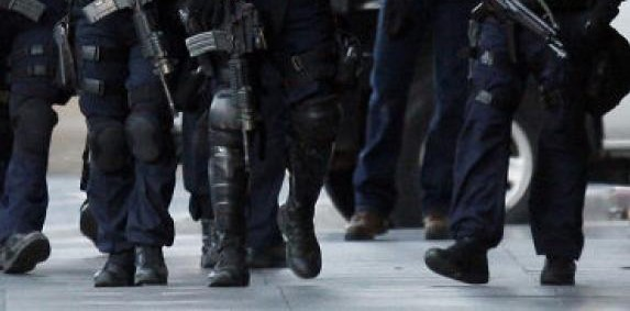 Lätta poliskängor
