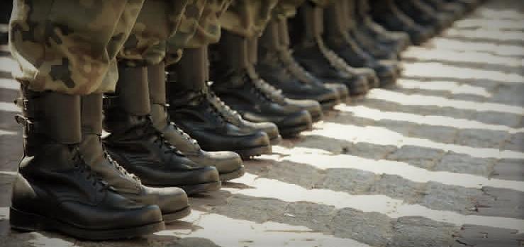 Militärkängor säljes